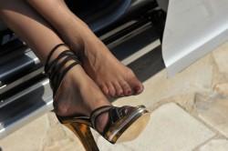 Sensualissimi sandali e nylon