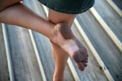 Leccare questo piede sporco