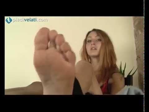 Video piede femminile con calze