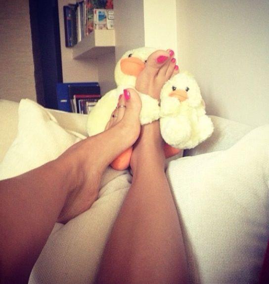 Ragazza amatoriale con piedi sexy