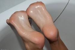 Foto HD foot soles toes