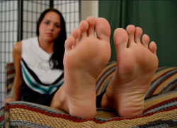 Brunetta Foot Worship